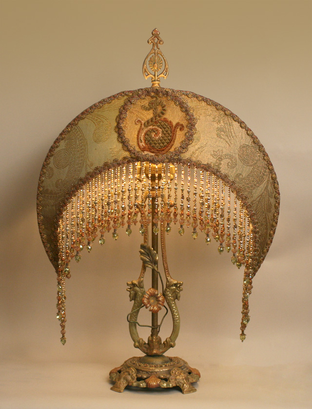 http://www.nightshades.com/images/lamps/1452_detail.jpg